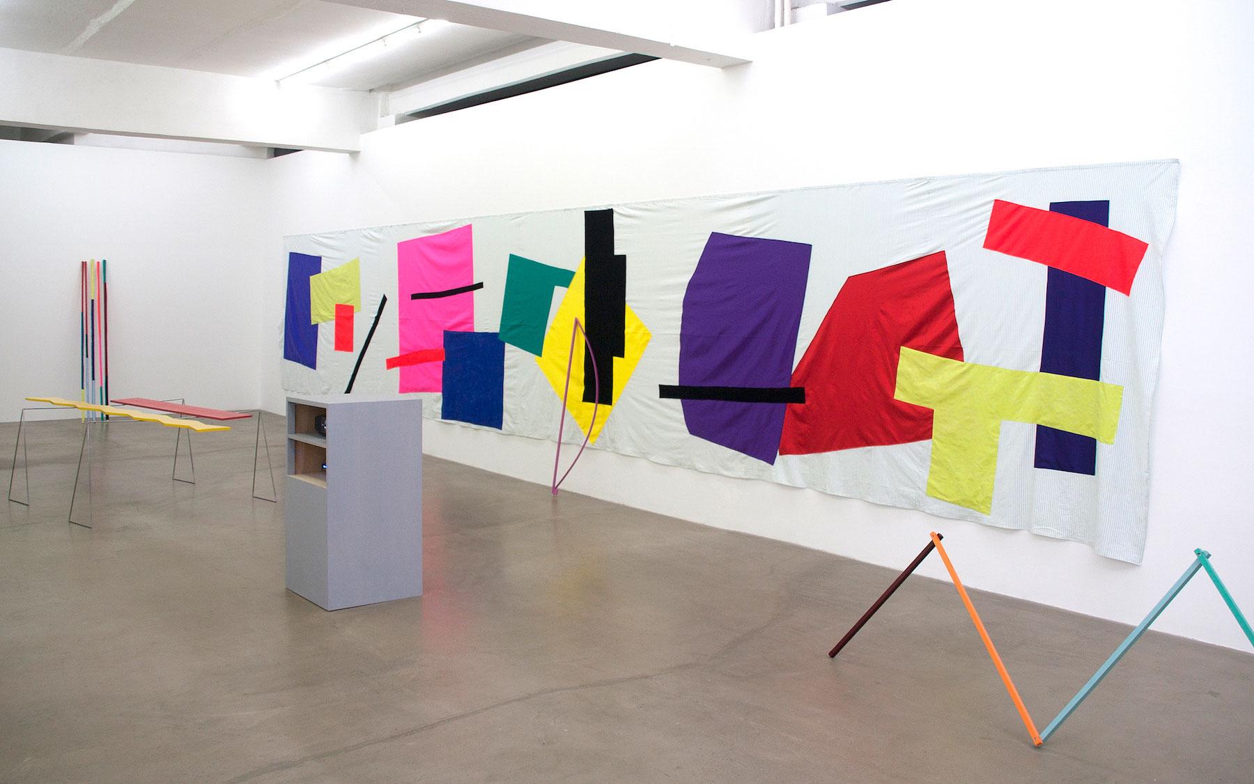 Radu Comsa, imagine din a doua sa expozitie la galeria Sabot din Fabrica de Pensule, in 2012, foto credit galeria Sabot