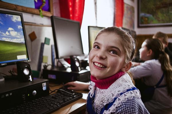 foto Andrei Becheru, voluntar Asociația Free Miorița, parte din proiectul Lumină pentru ultimele 3 școli fără electricitate din România - proiect participant în cadrul Galei Societății Civile 2016
