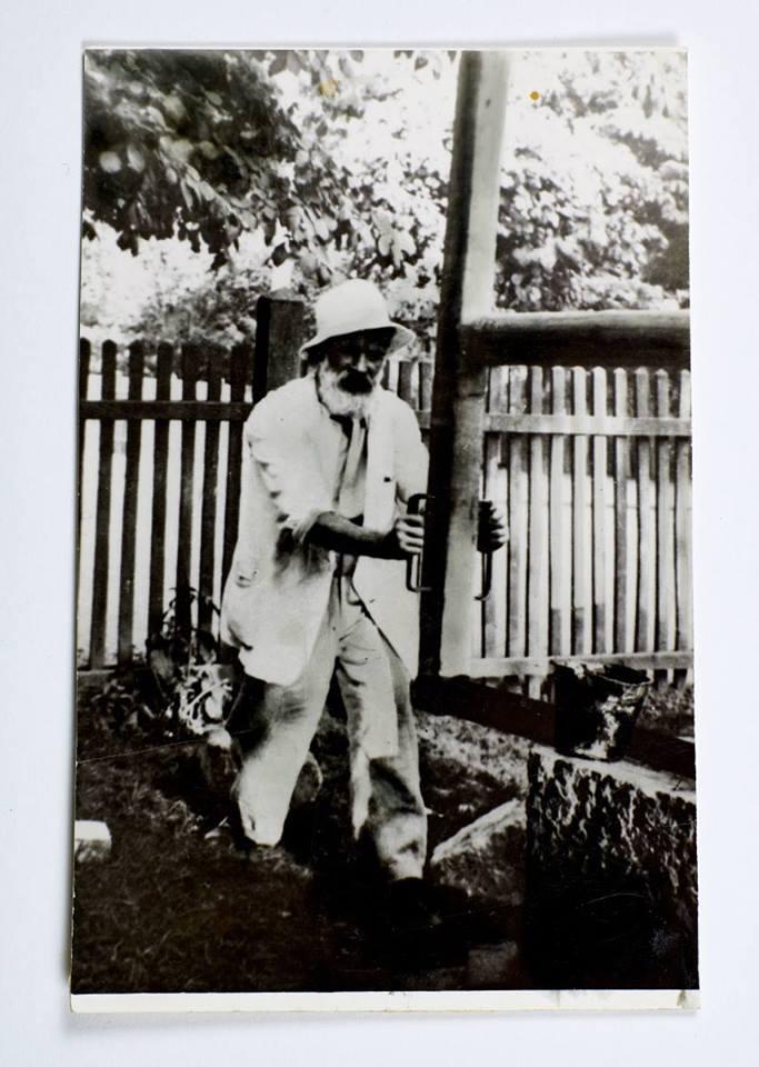Imagine parte din expoziția Constantin Brâncuși omul și lucrurile în colecția Emilian Radu