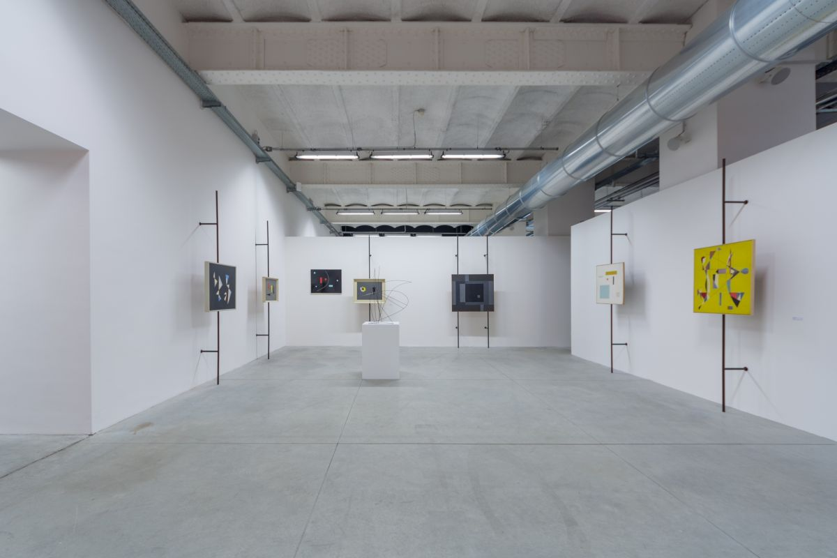 installation-view-non-aligned-modernity-exhibition-photos-by-andrej-sapric-29