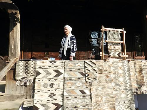 culturtraditional-wall-carpet-craftsmanship-in-romania-and-the-republic-of-moldova-01167
